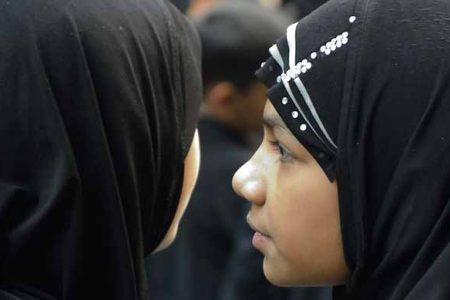 """Meisjesbesnijdenis: wie bepaalt wat """"de sharia"""" voorschrijft, dus wat islamitisch is?"""
